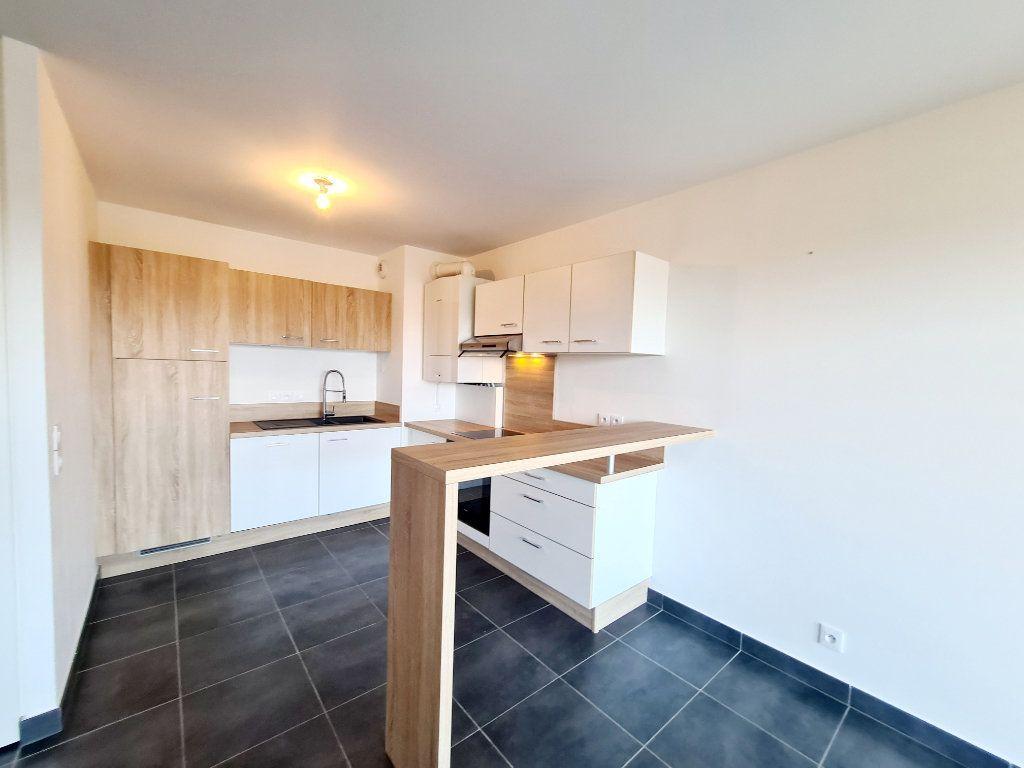 Appartement à louer 3 68.59m2 à Thonon-les-Bains vignette-3
