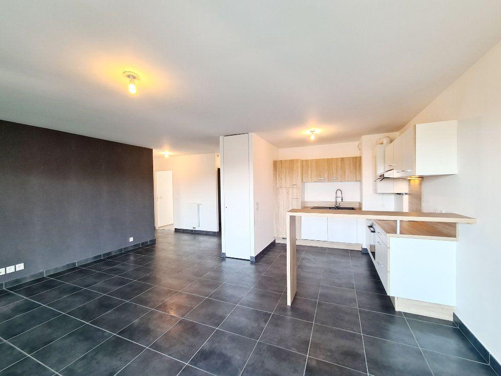 Appartement à louer 3 68.59m2 à Thonon-les-Bains vignette-4