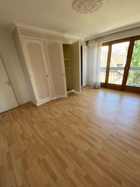 Appartement à louer 4 98m2 à Thonon-les-Bains vignette-2