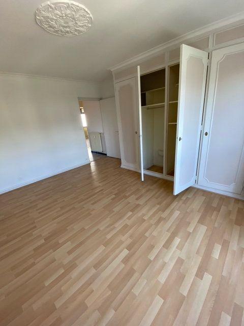 Appartement à louer 4 98m2 à Thonon-les-Bains vignette-3