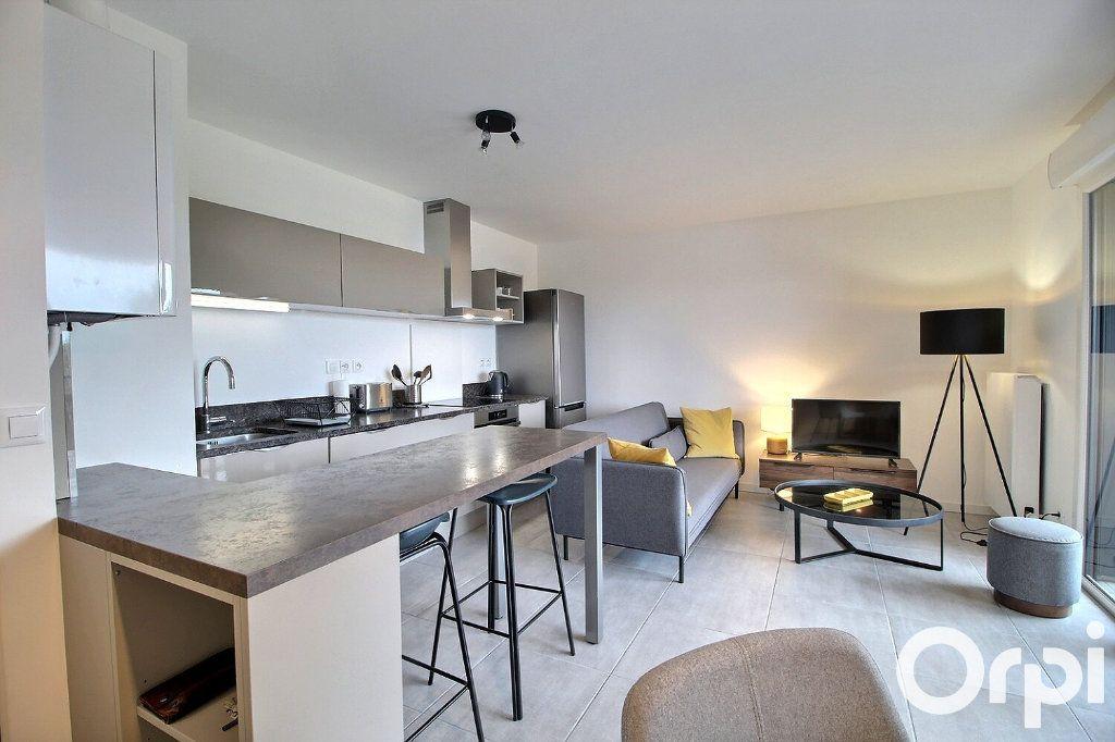 Appartement à louer 2 41.73m2 à Douvaine vignette-2