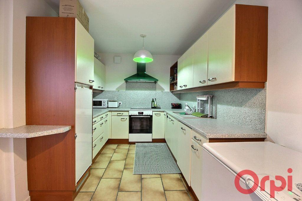 Appartement à louer 4 87.65m2 à Messery vignette-3