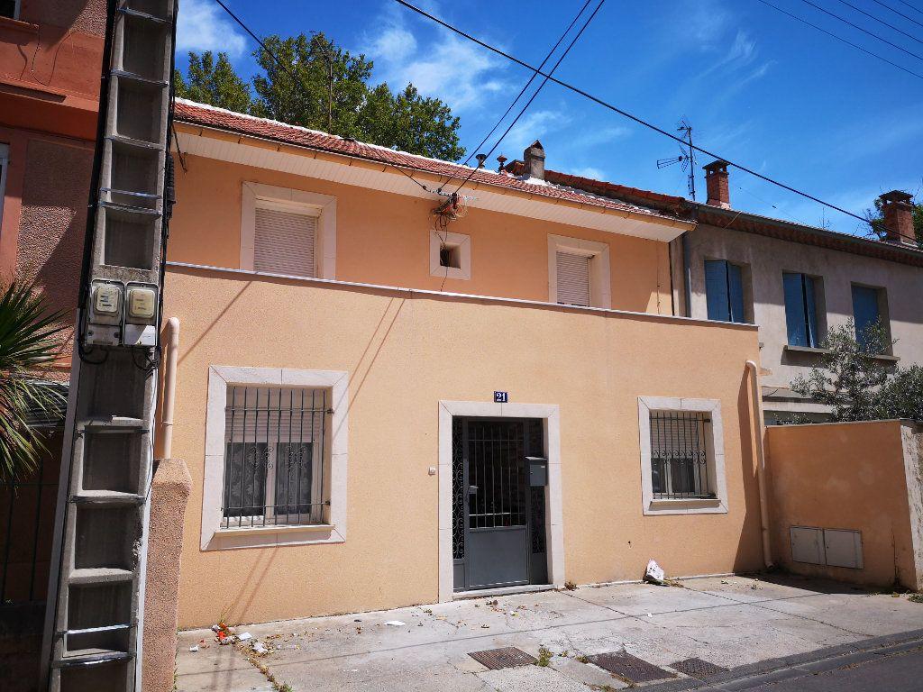 Maison à vendre 9 287m2 à Avignon vignette-2
