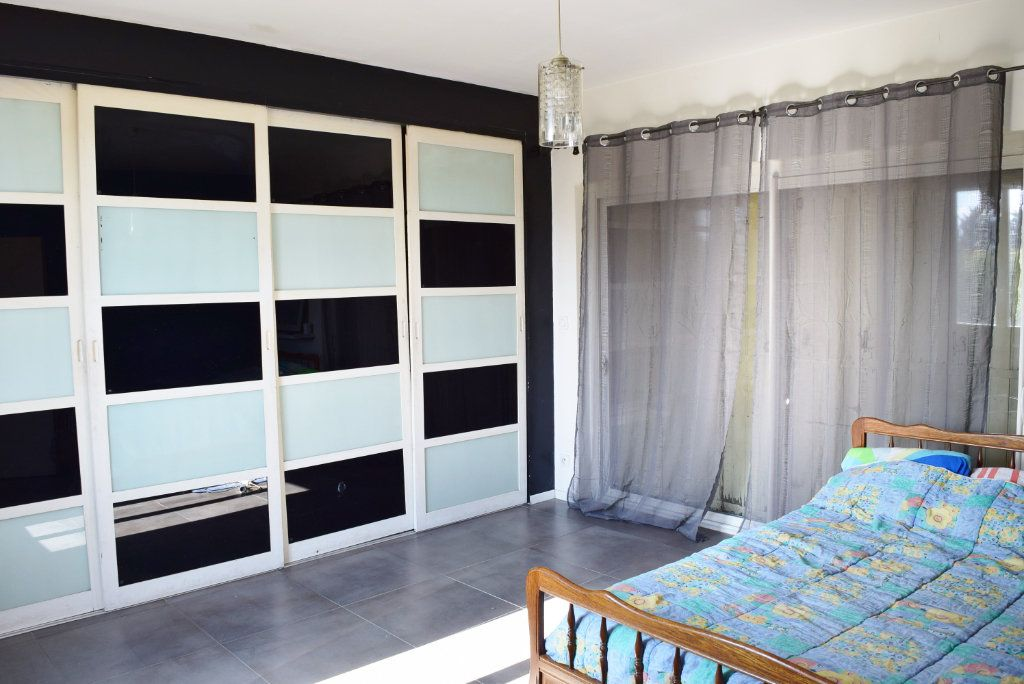 Appartement à vendre 3 84m2 à Avignon vignette-4