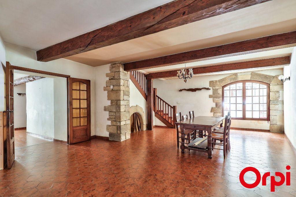 Maison à vendre 6 184m2 à Roquemaure vignette-1