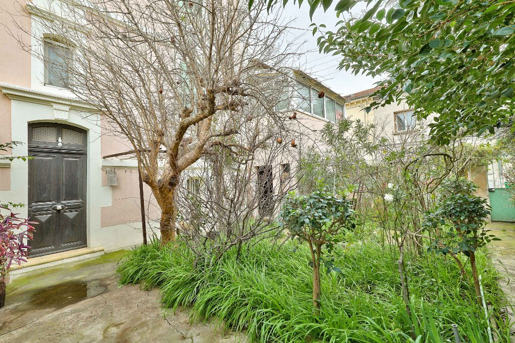 Maison à vendre 4 122m2 à Avignon vignette-1