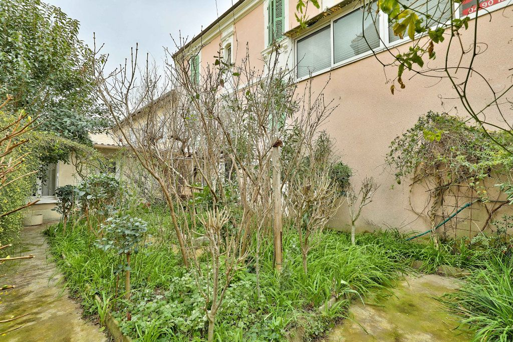 Maison à vendre 4 122m2 à Avignon vignette-2