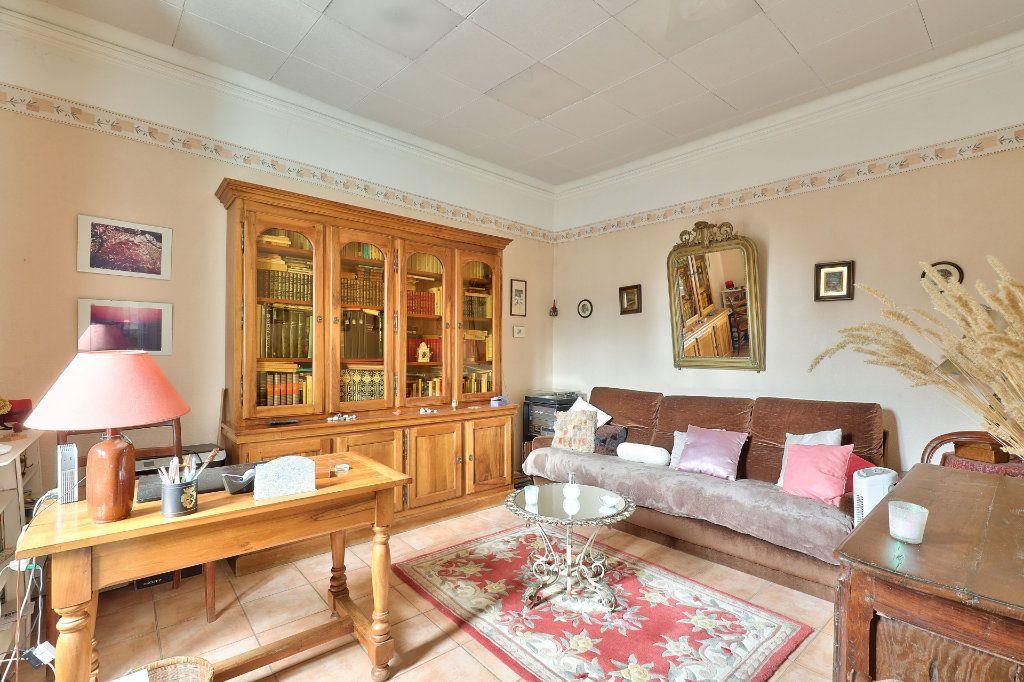 Maison à vendre 4 122m2 à Avignon vignette-3