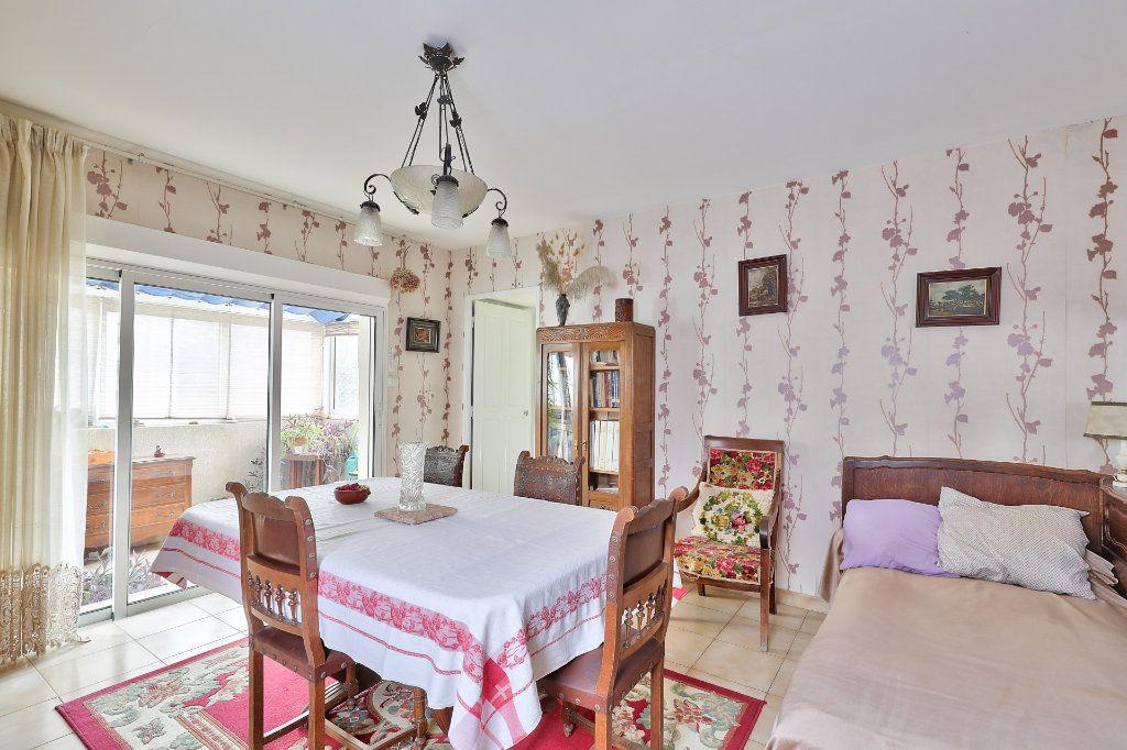 Maison à vendre 4 122m2 à Avignon vignette-6