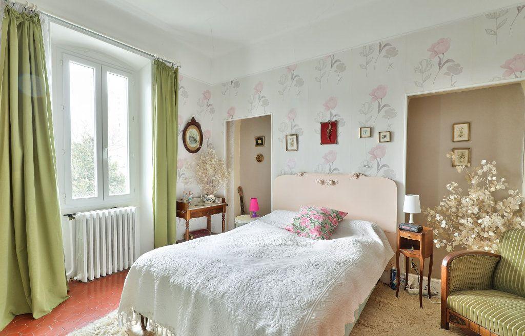 Maison à vendre 4 122m2 à Avignon vignette-8