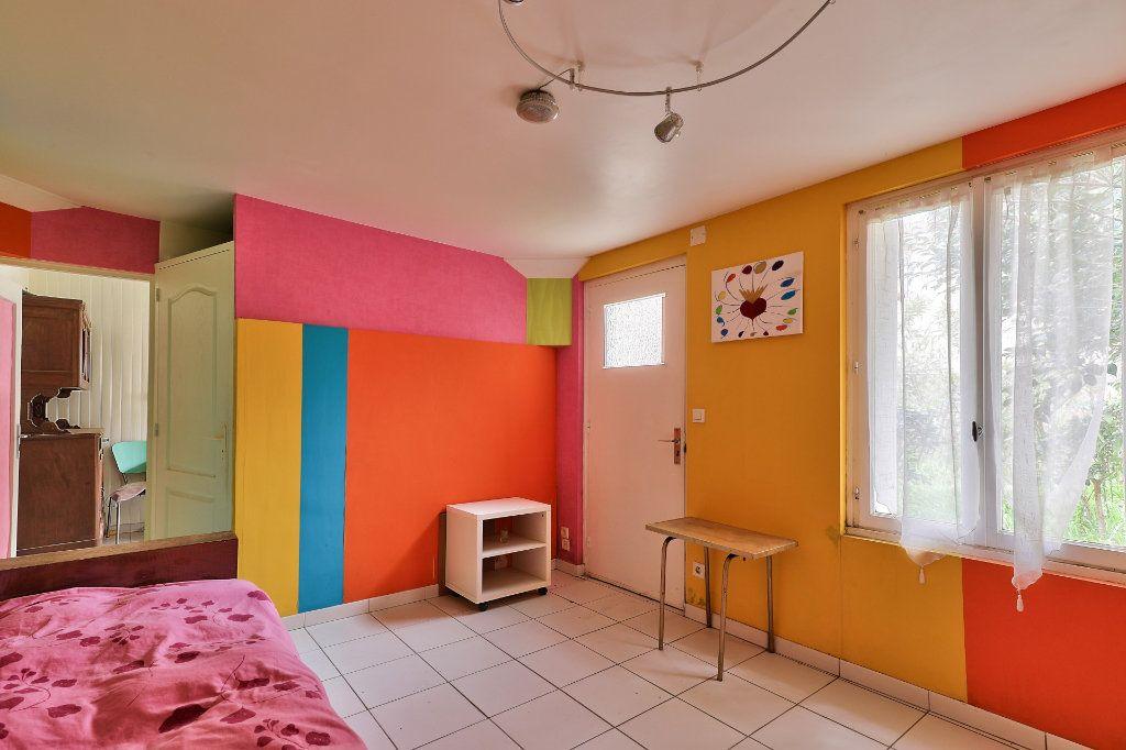 Maison à vendre 4 122m2 à Avignon vignette-11