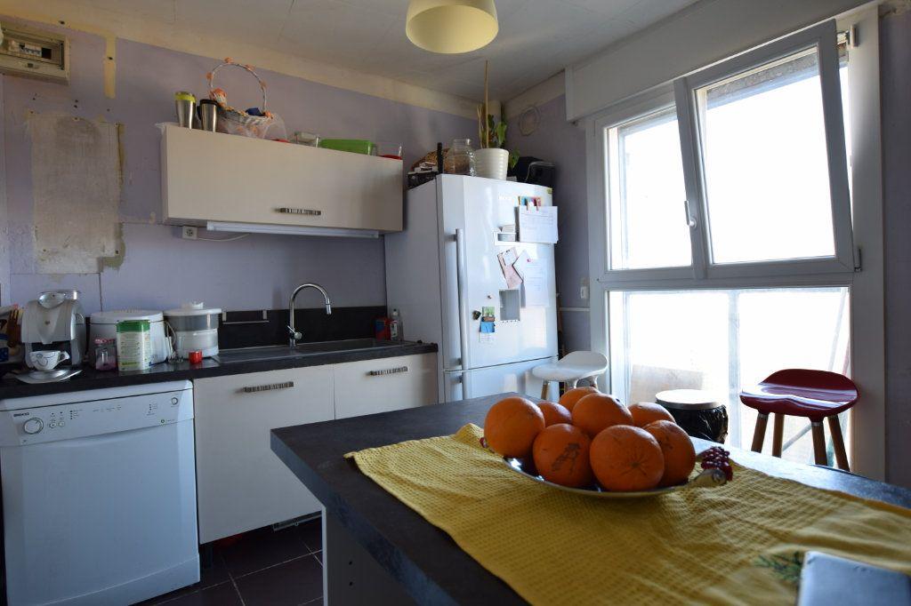 Appartement à vendre 5 114.91m2 à Avignon vignette-3