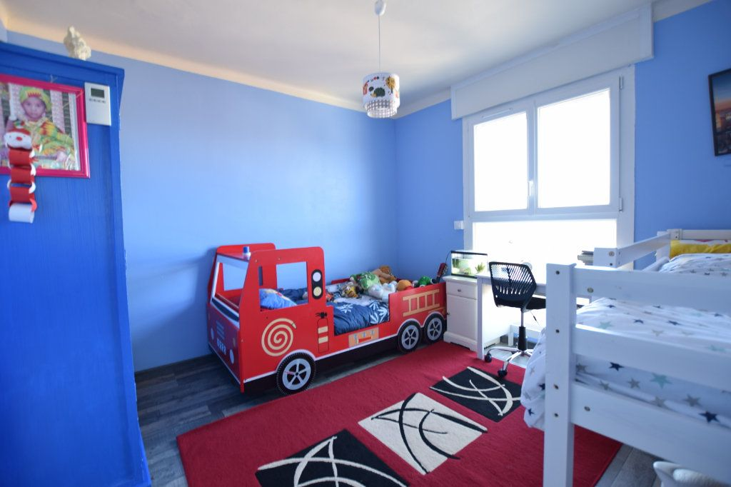 Appartement à vendre 5 114.91m2 à Avignon vignette-4