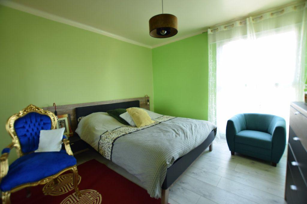 Appartement à vendre 5 114.91m2 à Avignon vignette-5