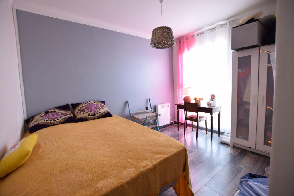 Appartement à vendre 5 114.91m2 à Avignon vignette-6