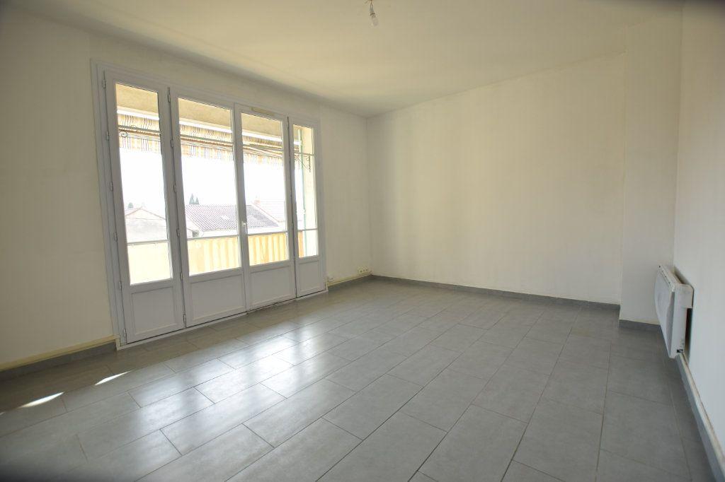 Appartement à vendre 4 77m2 à Avignon vignette-2