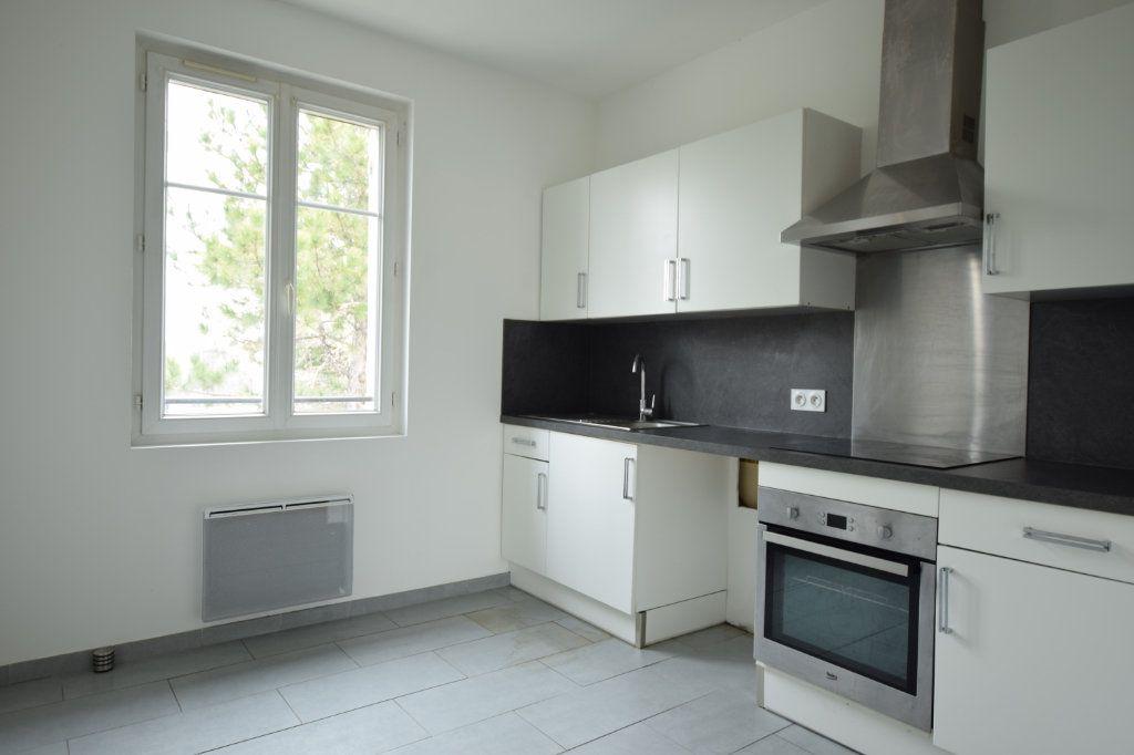 Appartement à vendre 4 77m2 à Avignon vignette-3