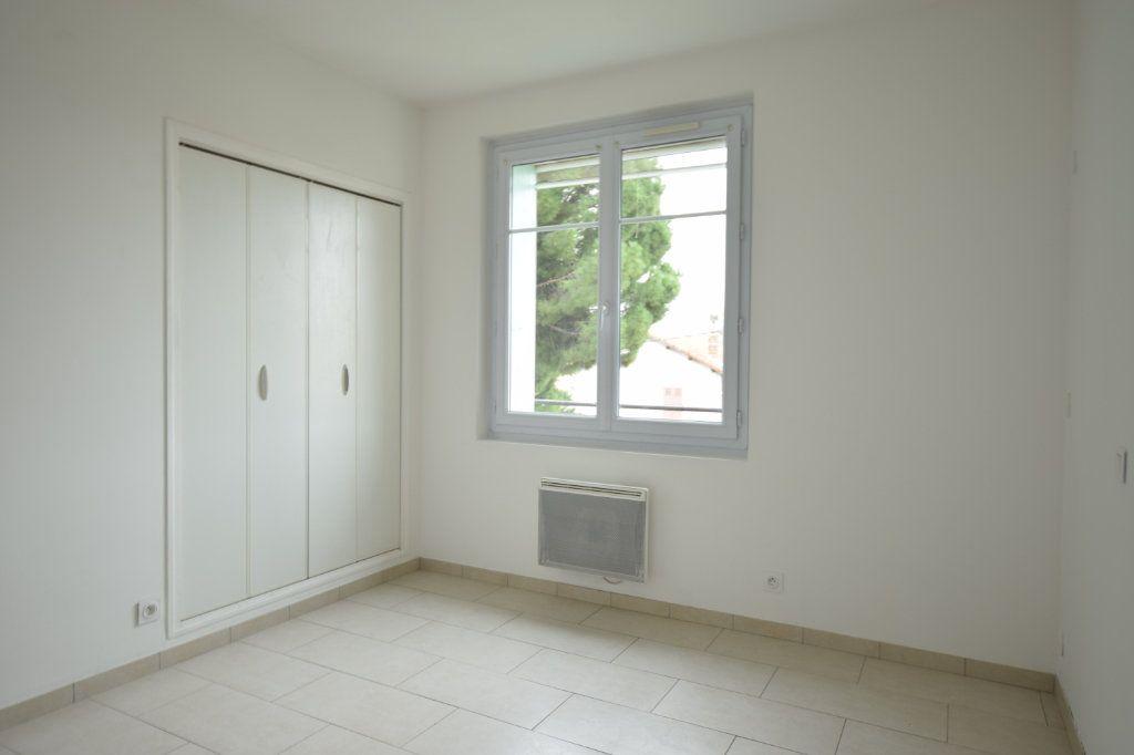 Appartement à vendre 4 77m2 à Avignon vignette-4