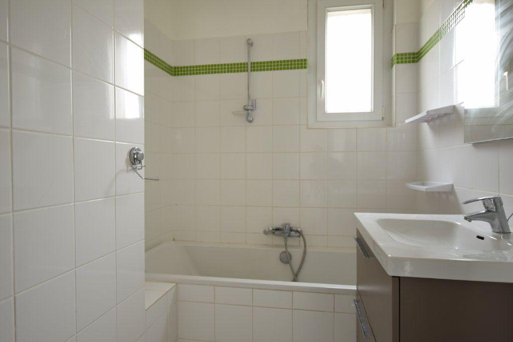 Appartement à vendre 4 77m2 à Avignon vignette-5