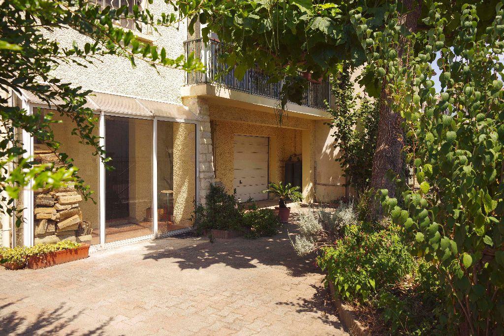 Maison à vendre 5 107m2 à Avignon vignette-1