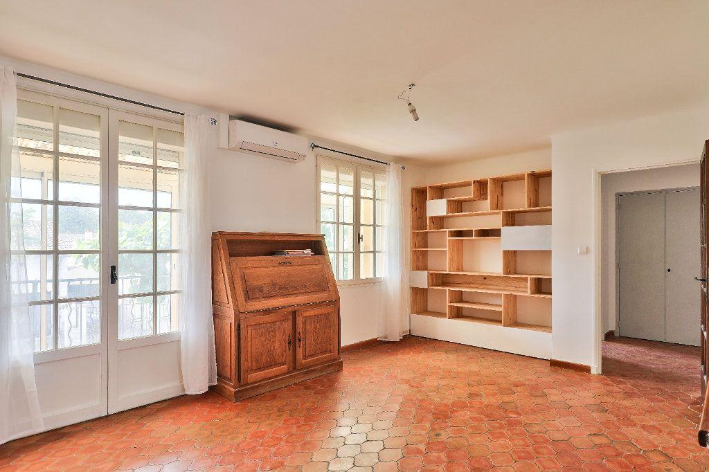 Maison à vendre 5 107m2 à Avignon vignette-5