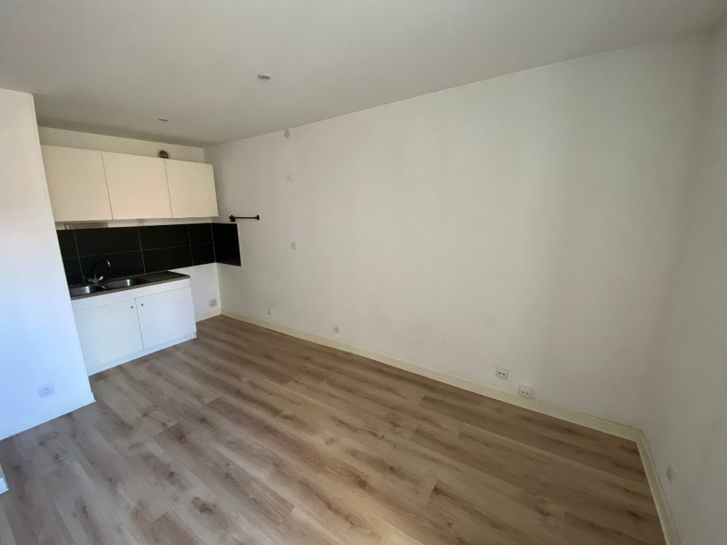 Appartement à louer 3 55m2 à Nancy vignette-4
