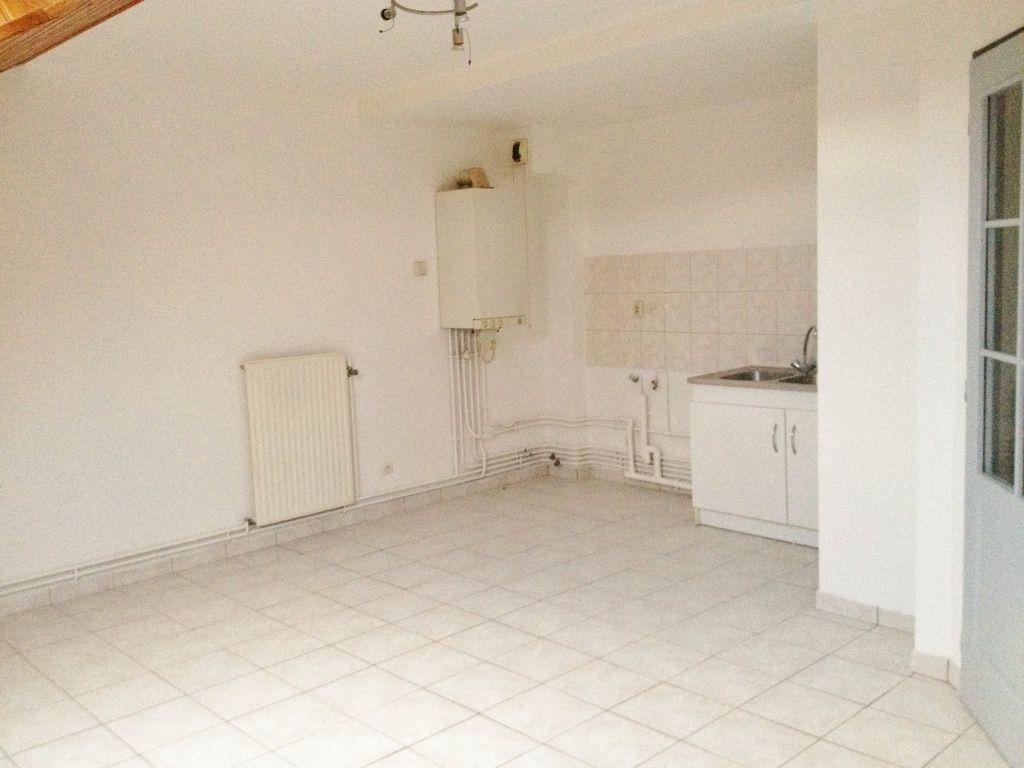 Appartement à louer 3 60m2 à Sainte-Marguerite vignette-2