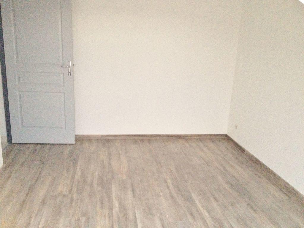 Appartement à louer 3 60m2 à Sainte-Marguerite vignette-3