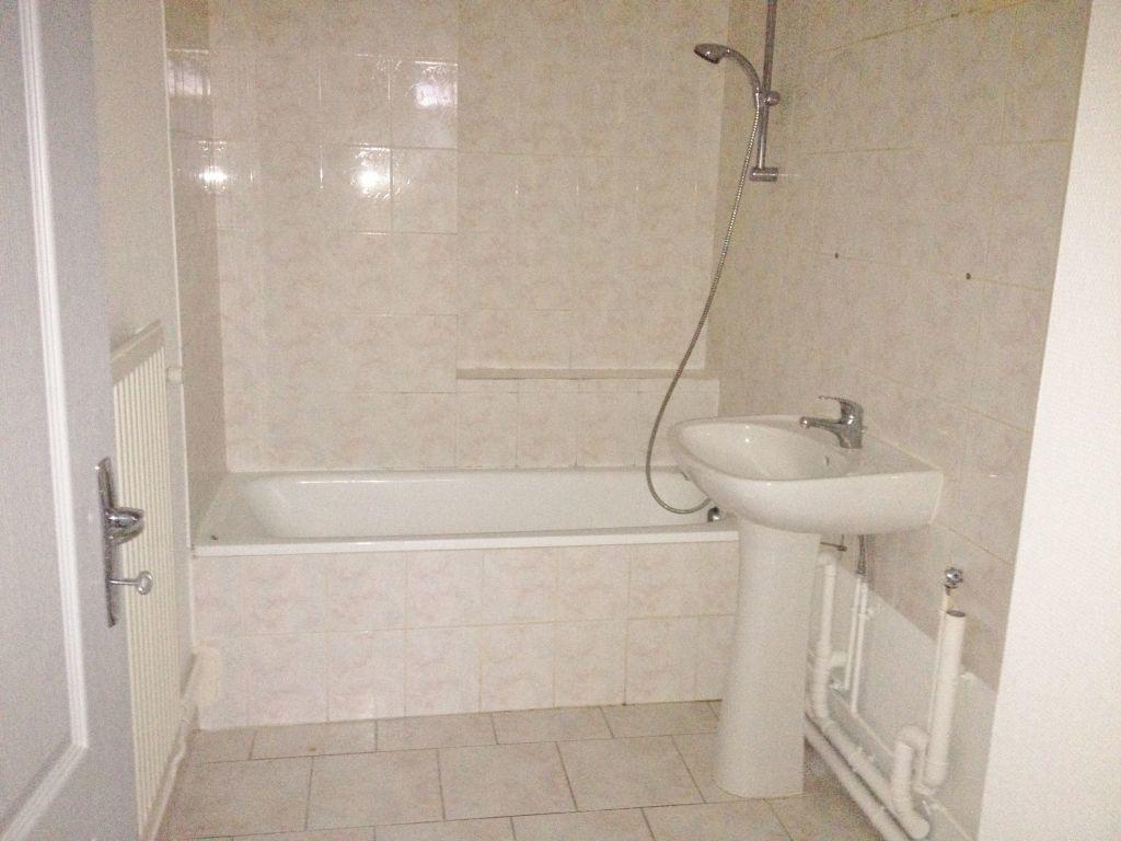 Appartement à louer 3 60m2 à Sainte-Marguerite vignette-5