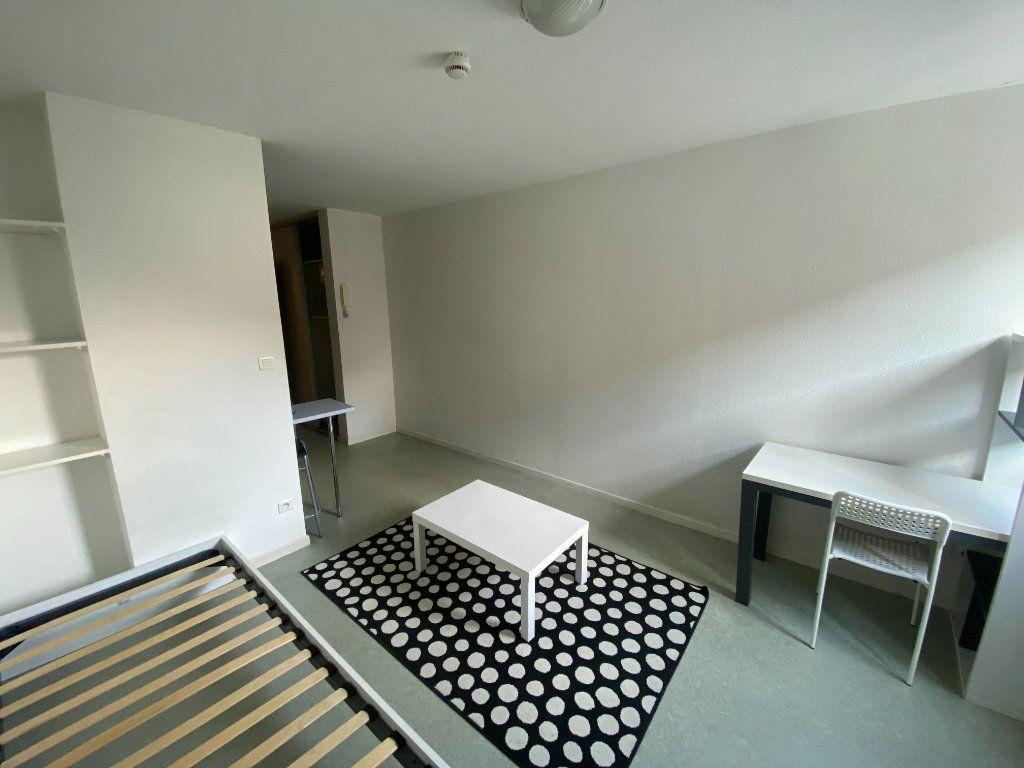 Appartement à louer 1 22m2 à Nancy vignette-3