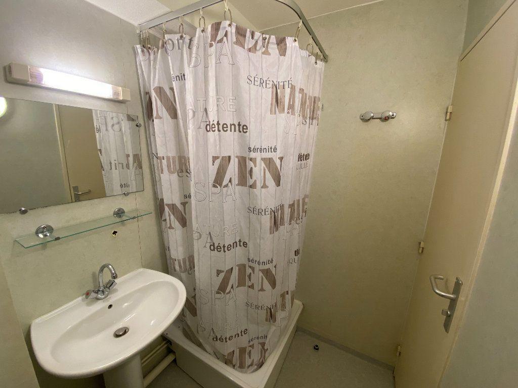 Appartement à louer 1 22m2 à Nancy vignette-6