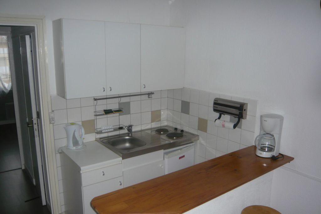 Appartement à louer 2 21.9m2 à Nancy vignette-1