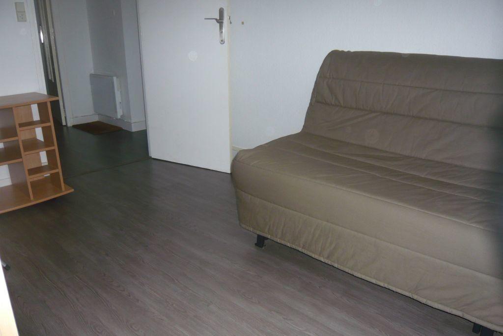 Appartement à louer 2 21.9m2 à Nancy vignette-2