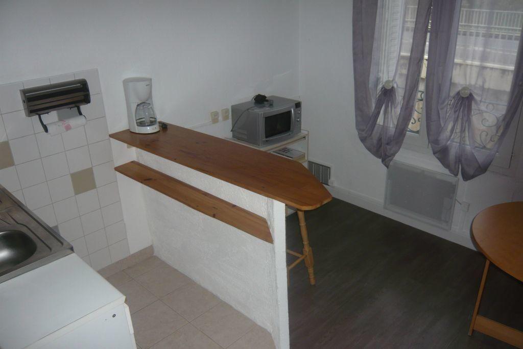 Appartement à louer 2 21.9m2 à Nancy vignette-4