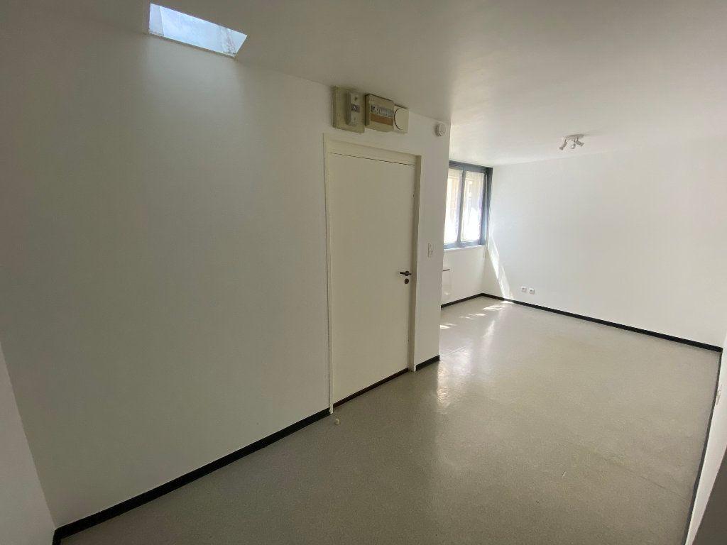 Appartement à louer 1 20m2 à Nancy vignette-1