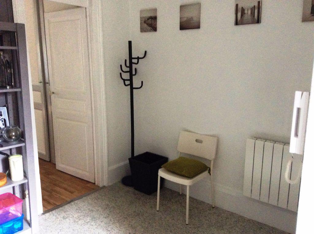 Appartement à louer 1 32m2 à Nancy vignette-3