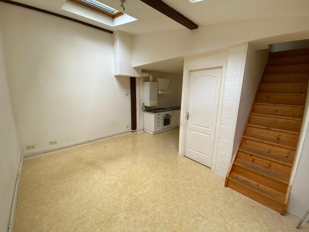 Appartement à louer 2 30m2 à Nancy vignette-2