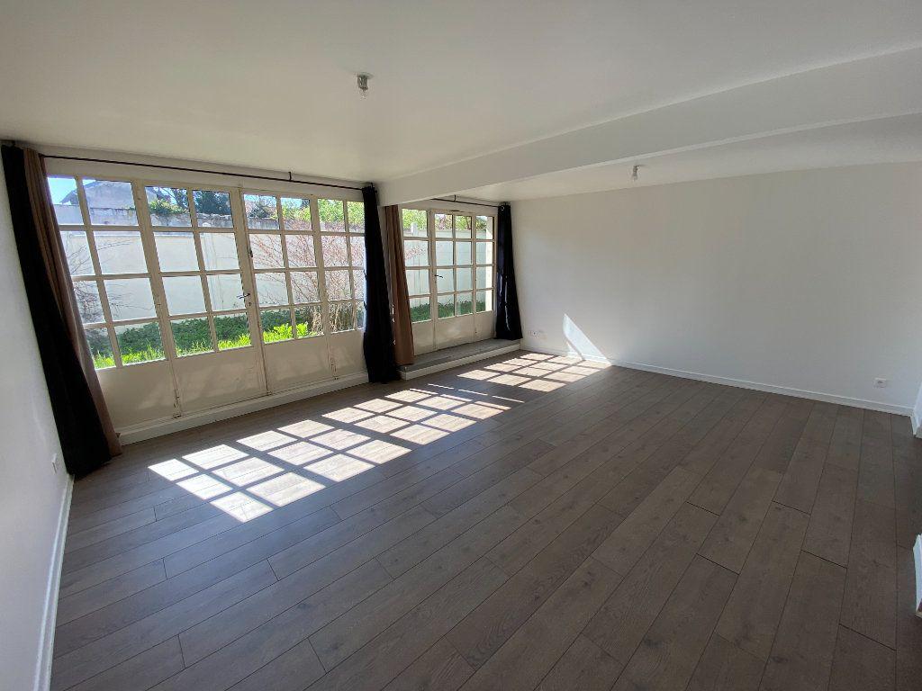 Appartement à louer 4 105.89m2 à Nancy vignette-2