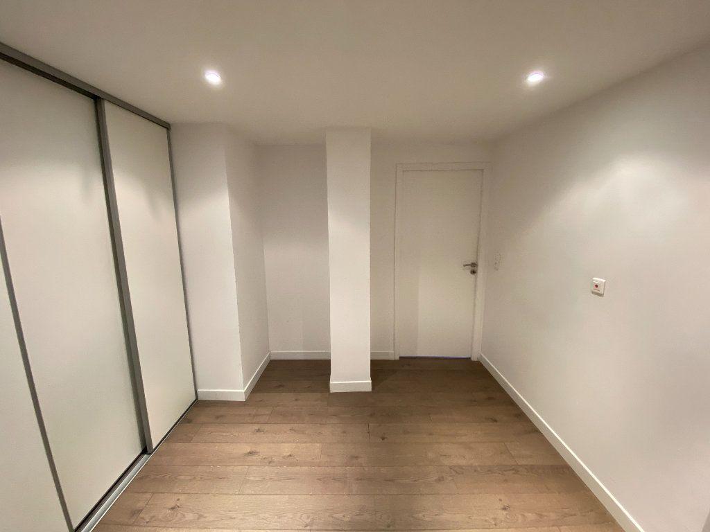 Appartement à louer 4 105.89m2 à Nancy vignette-3