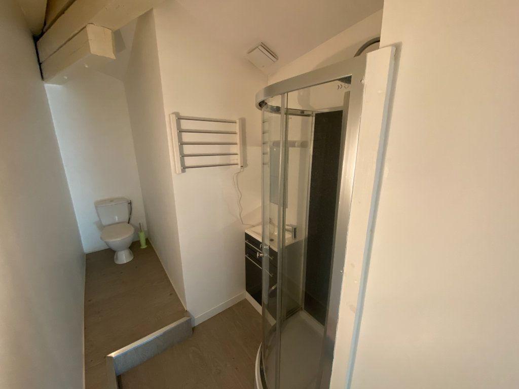 Appartement à louer 4 105.89m2 à Nancy vignette-6