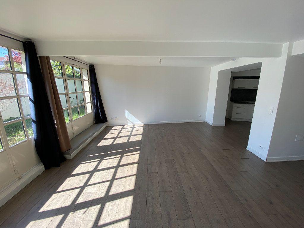 Appartement à louer 4 105.89m2 à Nancy vignette-9