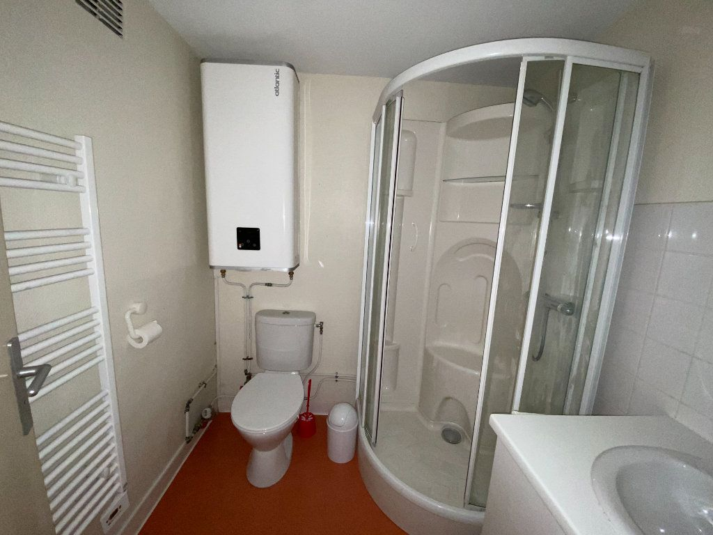 Appartement à louer 4 105.89m2 à Nancy vignette-10