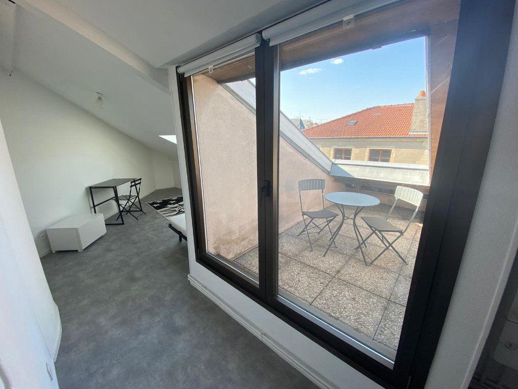 Appartement à louer 1 14.7m2 à Nancy vignette-1