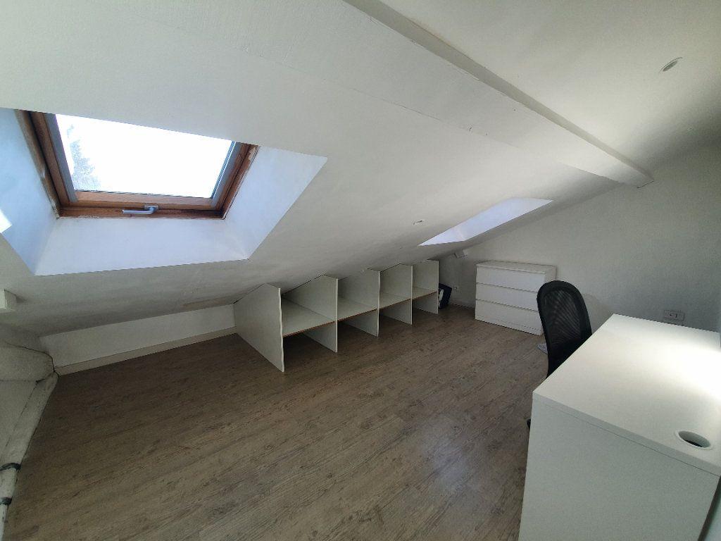 Appartement à louer 3 91m2 à Nancy vignette-4