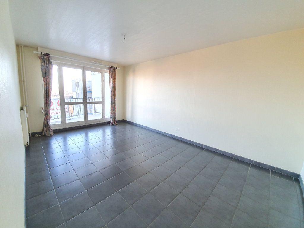 Appartement à louer 2 58m2 à Vandoeuvre-lès-Nancy vignette-2