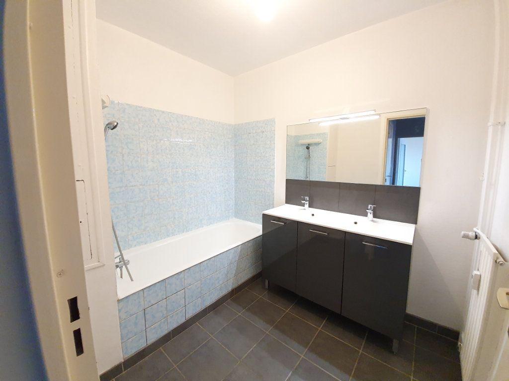 Appartement à louer 2 58m2 à Vandoeuvre-lès-Nancy vignette-3