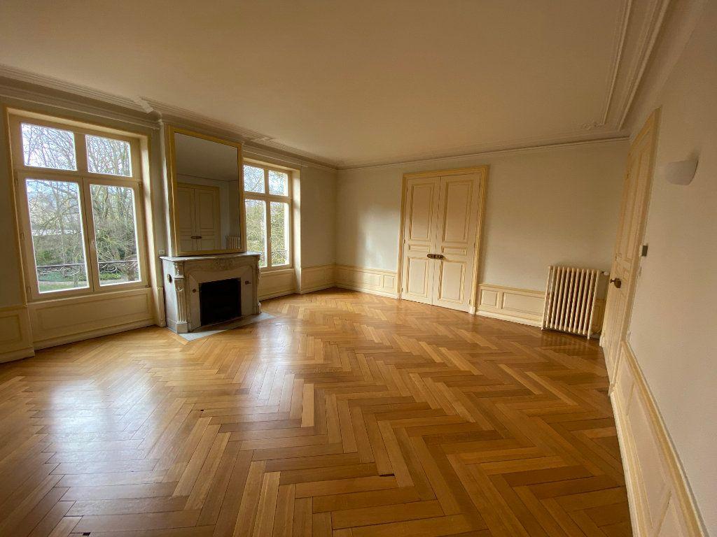 Appartement à louer 7 242m2 à Nancy vignette-8