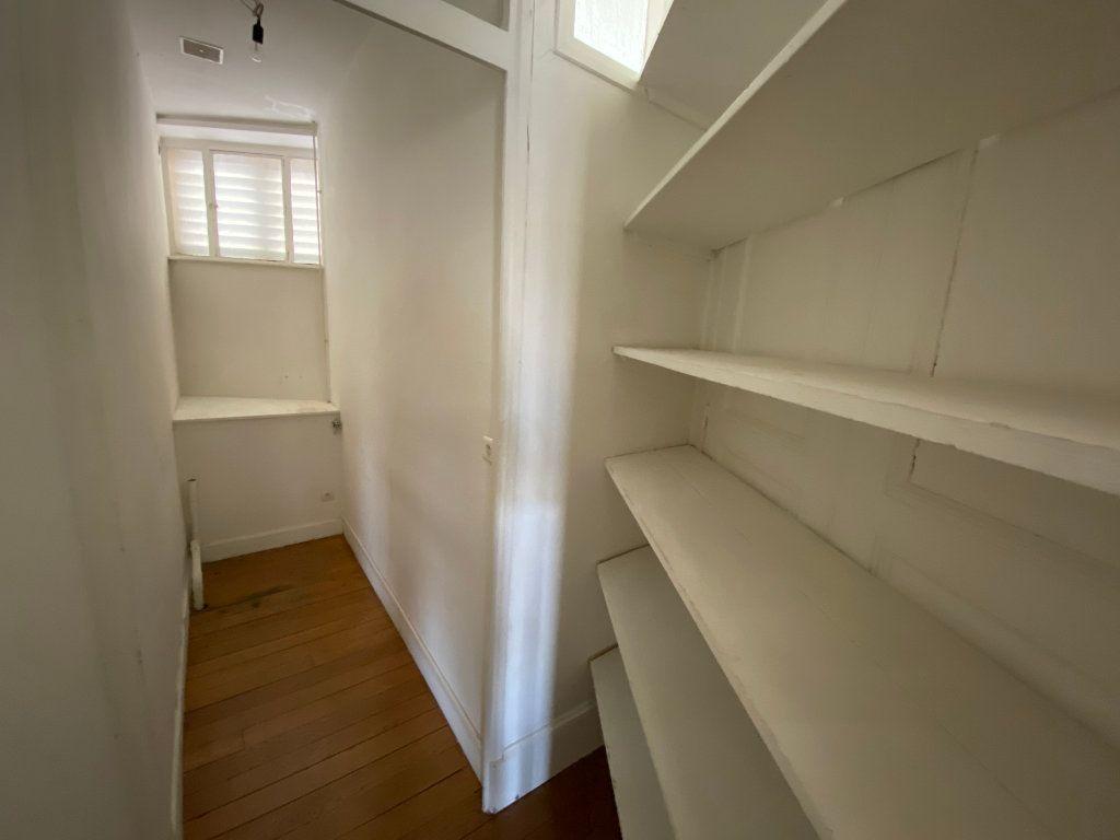 Appartement à louer 7 242m2 à Nancy vignette-10