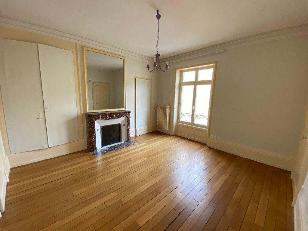Appartement à louer 7 242m2 à Nancy vignette-13