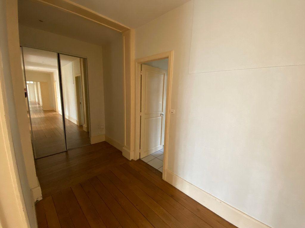 Appartement à louer 7 242m2 à Nancy vignette-15